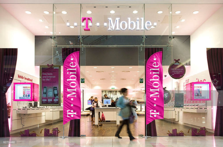 T-mobile Feather Flags | Flag banners & air powered puppet dancers are a must have for all master dealers