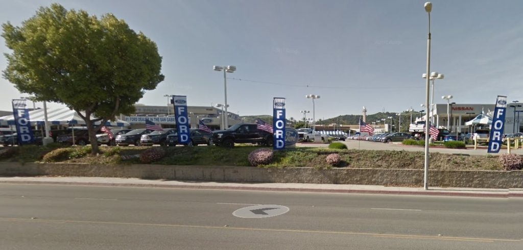 Ford dealership with our rectangle flags