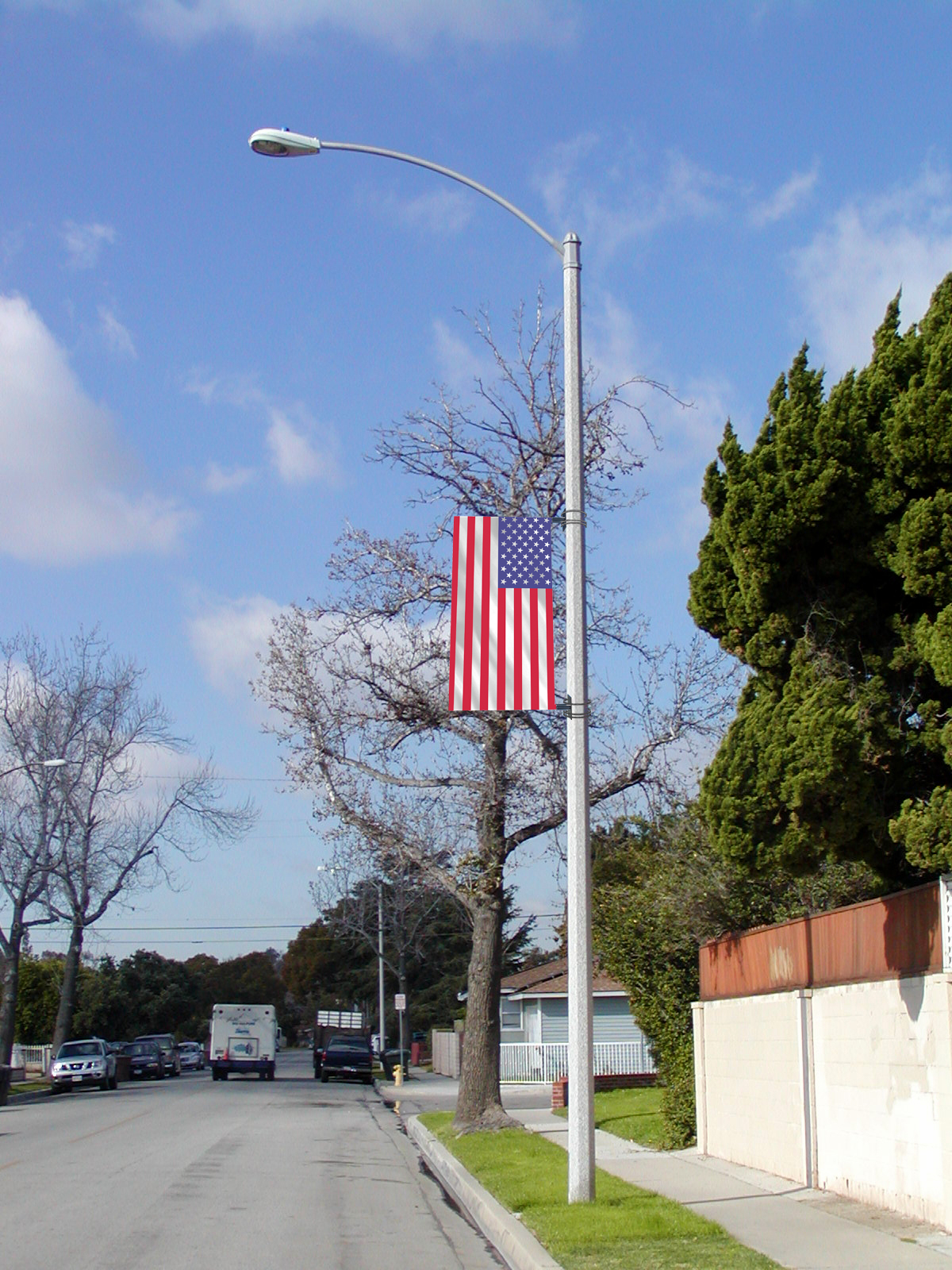 Street-Pole-Banner-with-USA-Flag-Sunny-Day